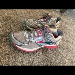 Brooks Ghost 8 running shoes